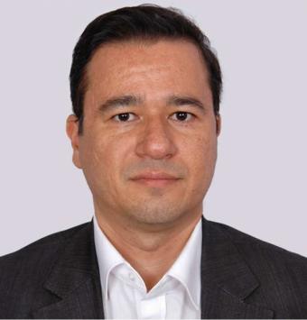 الدكتور آرش بیرقی طوسی
