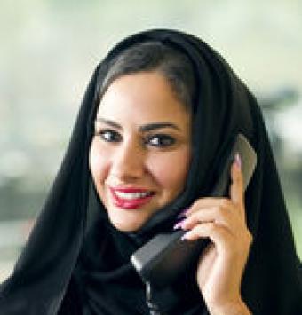 مترجم او شخص معتمد في إيران